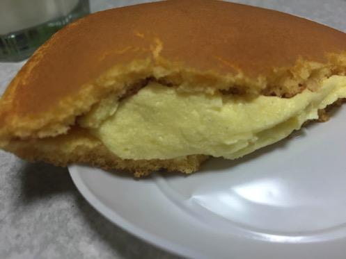 20160627201525_kawagoe-monzoan_nama-cream-dorayaki2